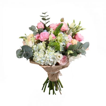 Buy the outstanding bouquet with delivery | UFL