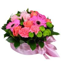 Buy a bouquet of pink flower in the form of cake