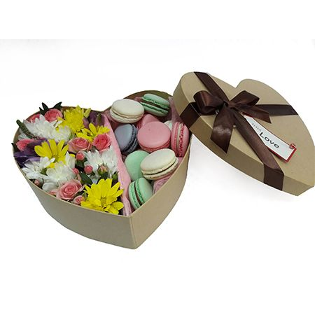 Bouquet Flowers with dessert
